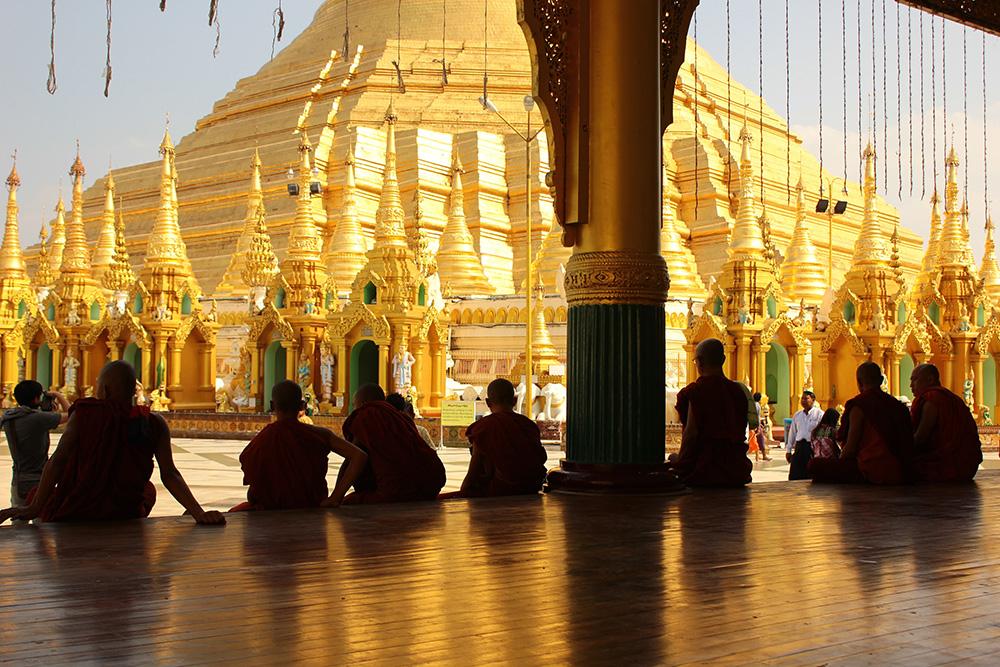 1_Shwedagon Pagoda_5-min